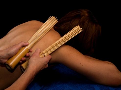 Masaż bambusami, masaż kijkami i miotełkami bambusowymi w Bieszczadach
